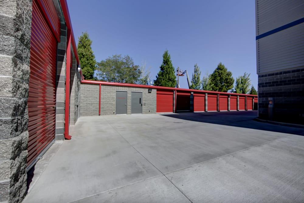 External drive-up storage units Trojan Storage in Tigard, Oregon