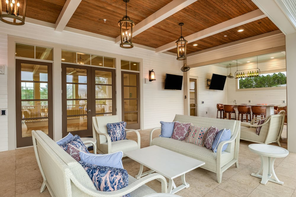 cozy lounge seating at Palm Bay Club at Jacksonville
