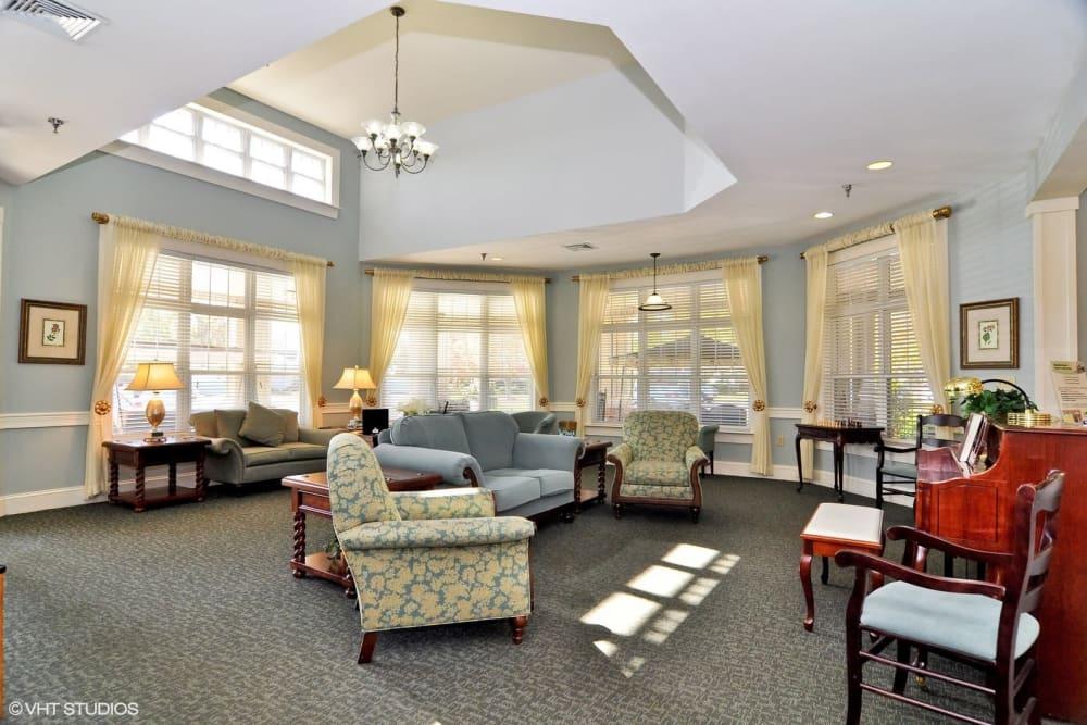 Lounge seating at Chesapeake Place Senior Living in Chesapeake, Virginia.