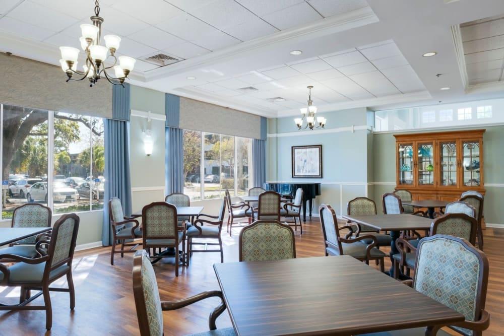 Dining community area at Grand Villa of Sarasota