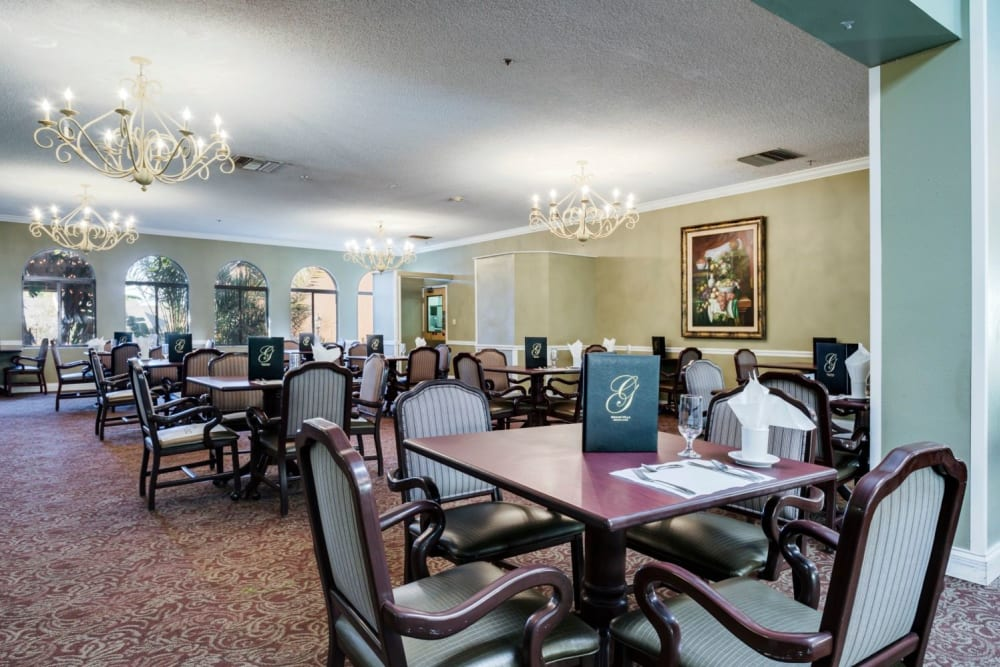 Dining hall at Grand Villa of Altamonte Springs in Florida