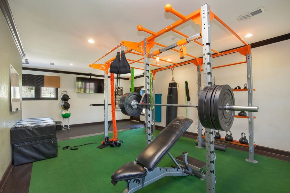Cross fit gym at Integra Hills Preserve Apartments in Ooltewah, Tennessee