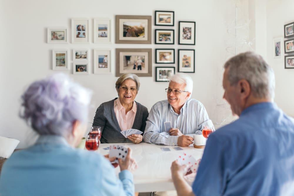 community at table at Broadwell Senior Living in Kearney, Nebraska