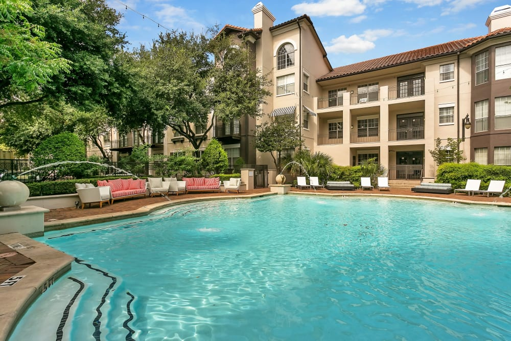 Beautiful blue pool at Alesio Urban Center in Irving, Texas