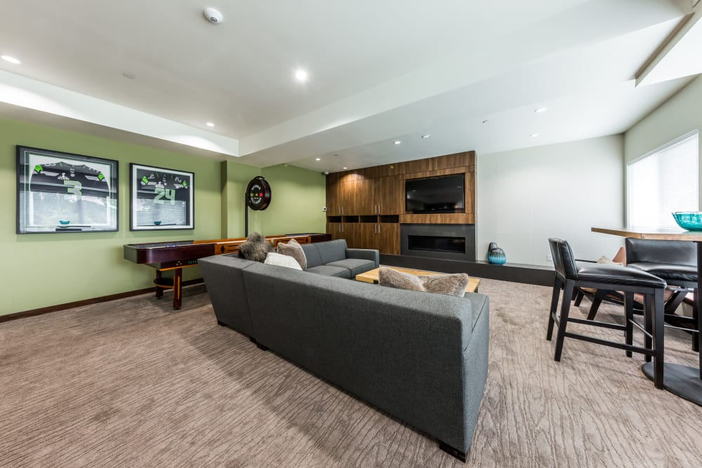 Cozy clubroom lounge at Marq West Seattle in Seattle, Washington