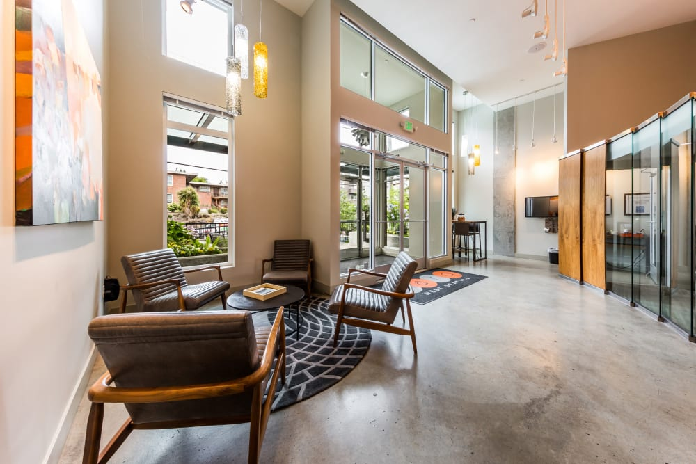 Indoor lounge at Marq West Seattle in Seattle, Washington