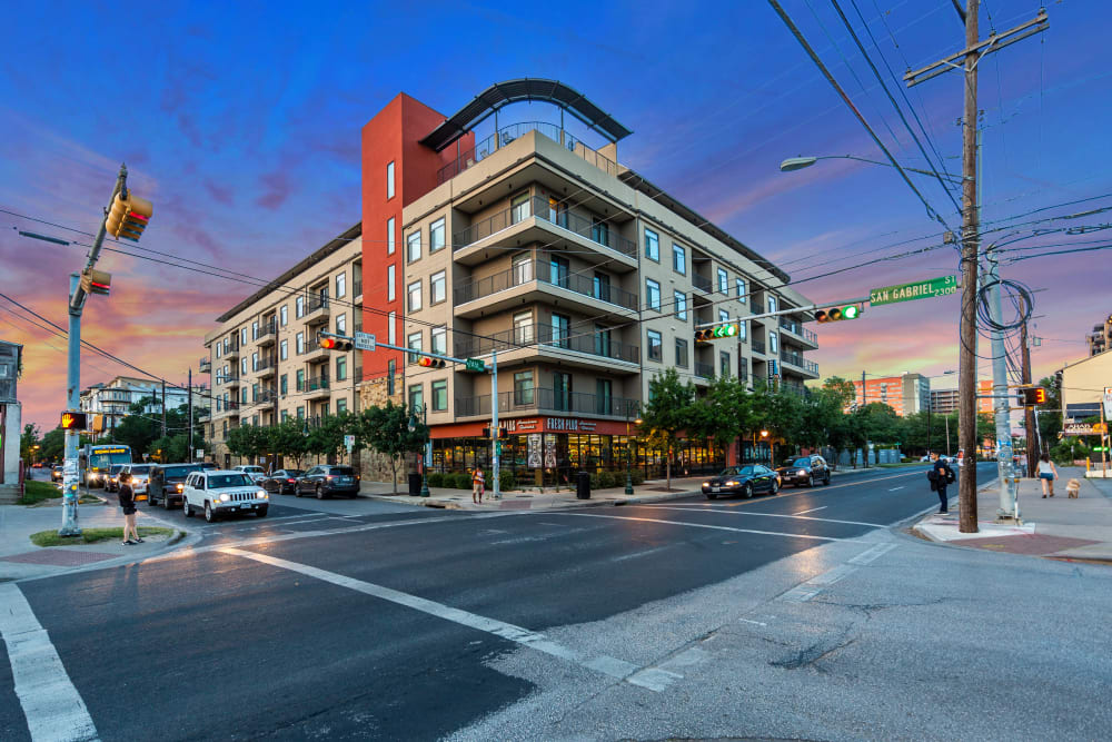 Exterior of Regents West at 24th in Austin, Texas
