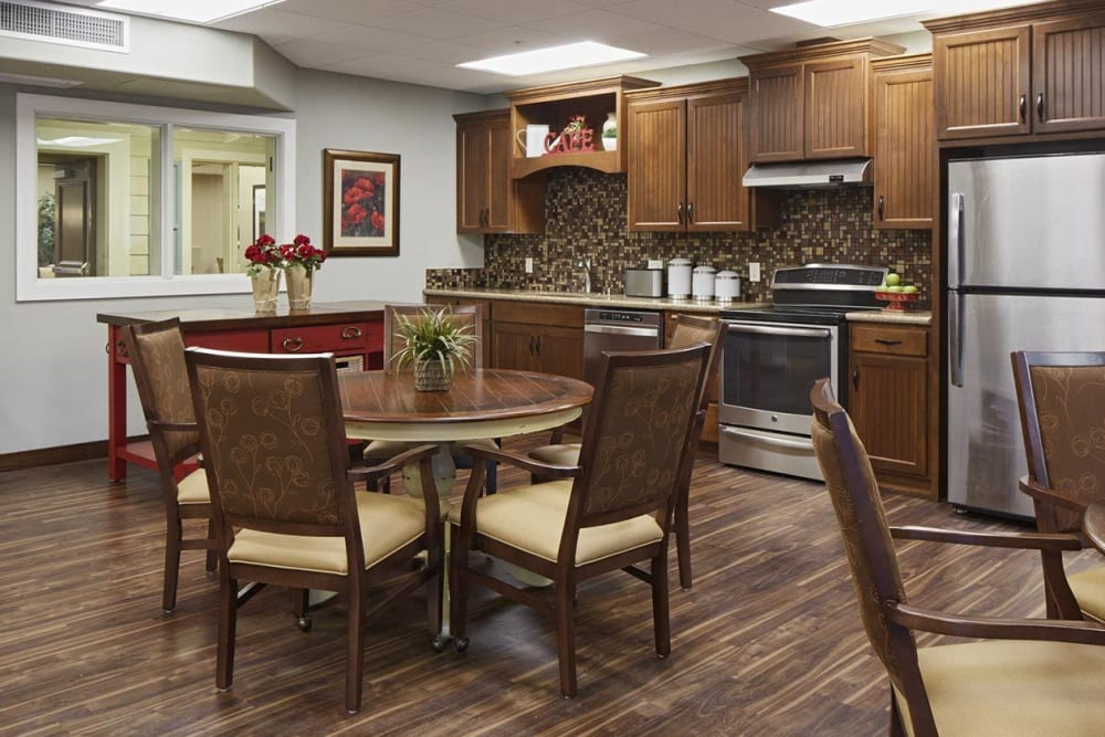Spacious kitchen and upscale dinning room at The Springs at Veranda Park in Medford, Oregon