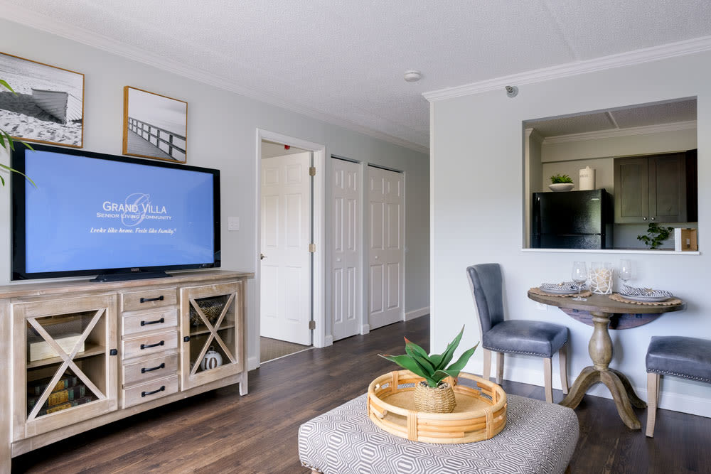 Living room with plenty of space at Grand Villa of Clearwater