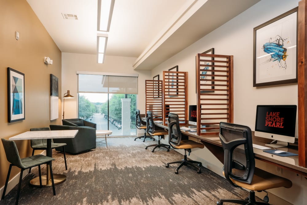 Business center with city views at Lakeshore Pearl in Austin, Texas
