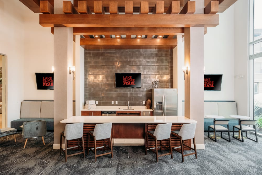 Bar seating lounge area kitchen at Lakeshore Pearl in Austin, Texas