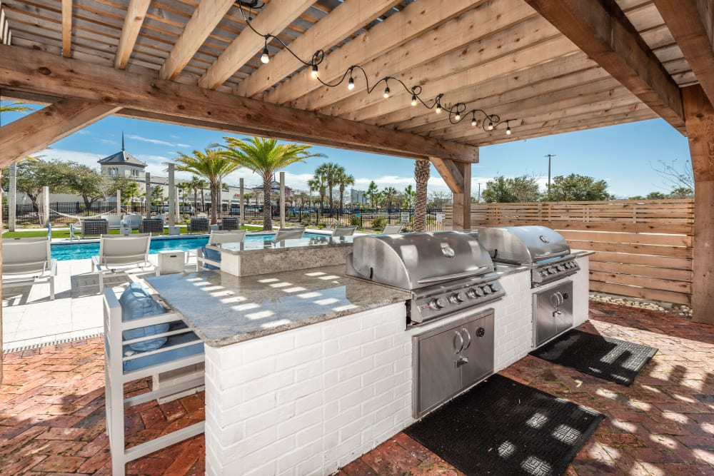 An outdoor grill for summer fridays at Olympus Emerald Coast in Destin, Florida