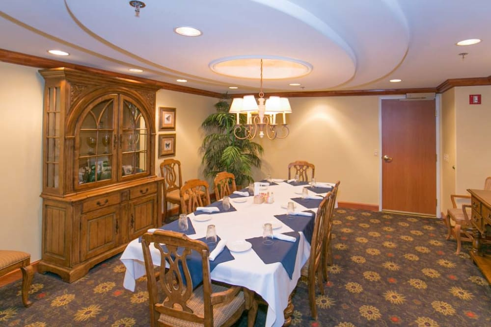 Dining table at Mountain View Retirement Village in Tucson, Arizona