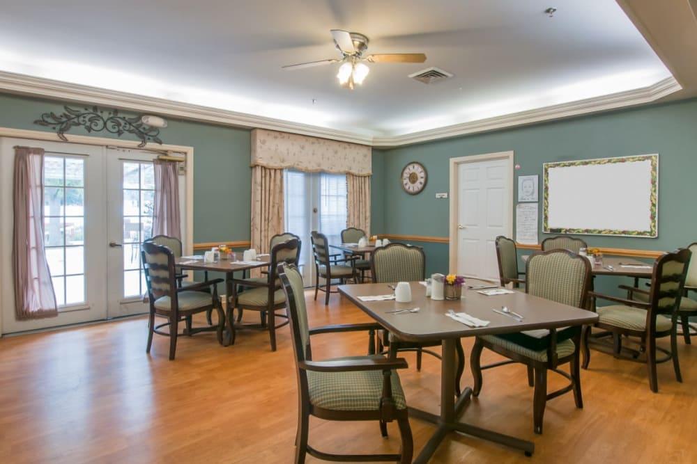 Delightful dining area at Carriage Court of Marysville in Marysville, Ohio.