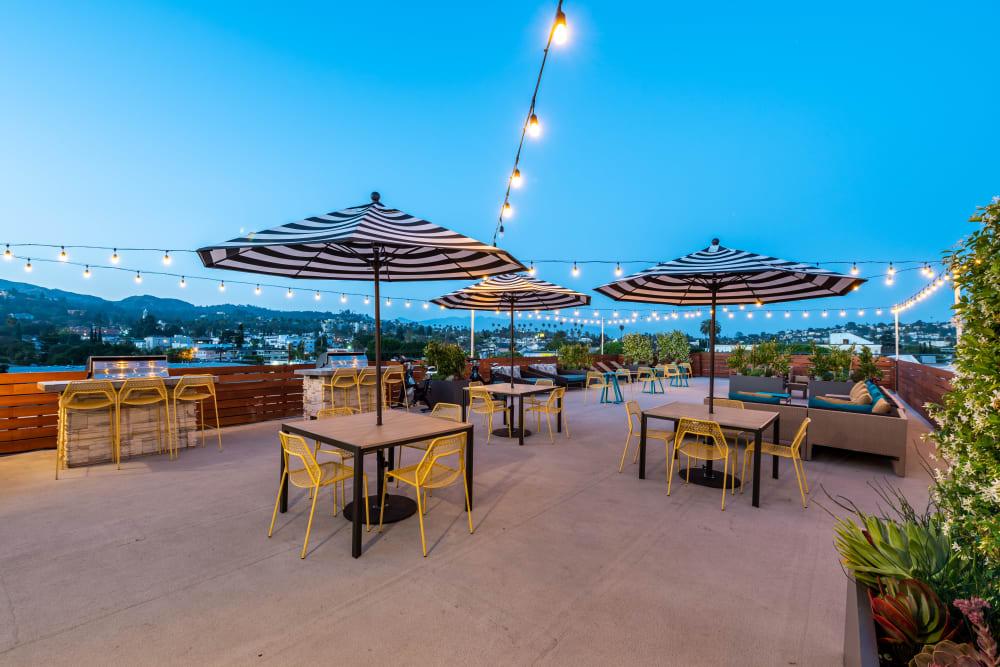 Outdoor Lounge Area at Vue Los Feliz