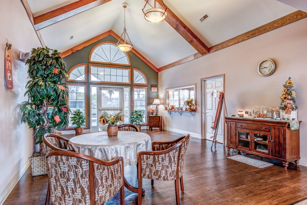 Charming dining room at Brookstone Estates of Charleston in Charleston, Illinois.