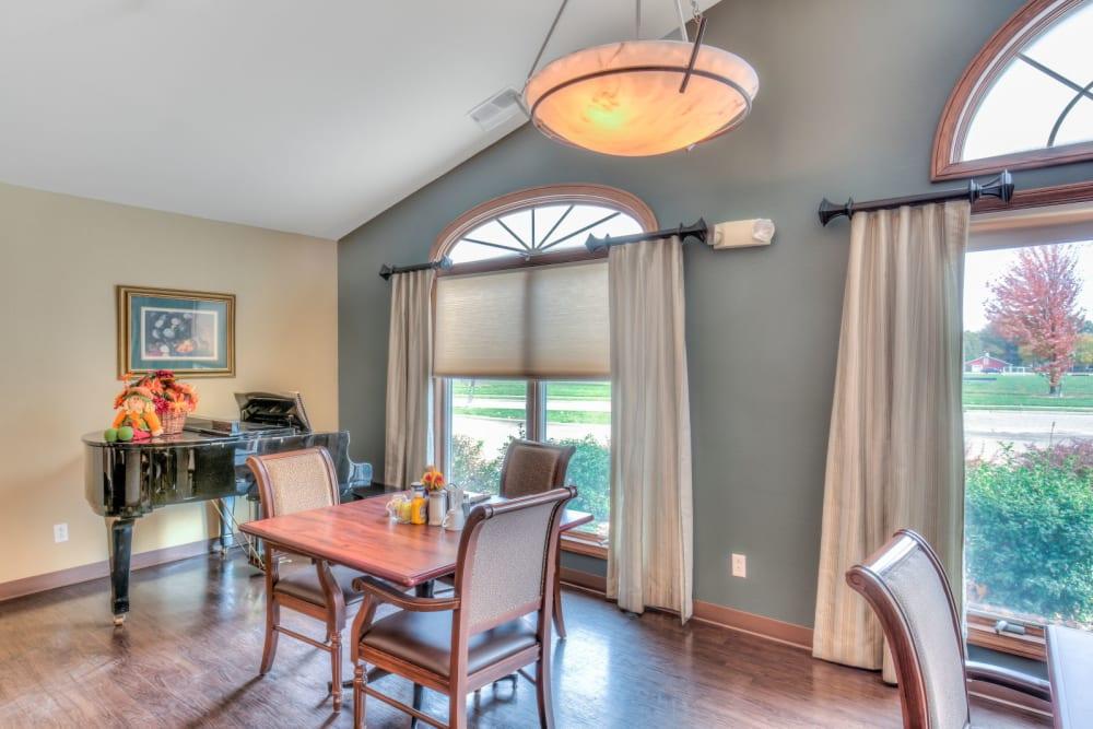 Window seating area in dining room at Brookstone Estates of Effingham in Effingham, Illinois.