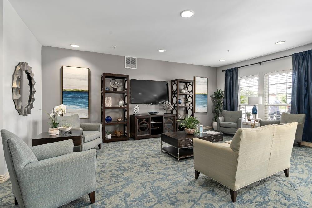 Spacious living room at Gentry Park Orlando in Orlando, FL