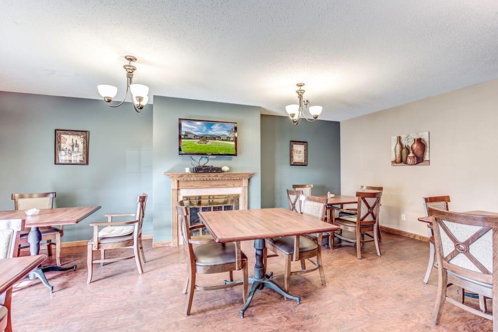 Dining room at Brookstone Suites of Effingham in Effingham, Illinois.