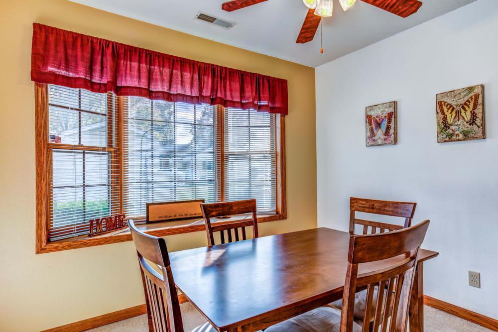 Dining table at Brookstone Suites of Effingham in Effingham, Illinois.