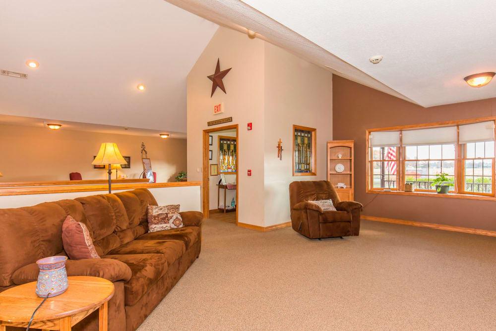 Cozy sitting room at Emerald Glen of Olney in Olney, Illinois
