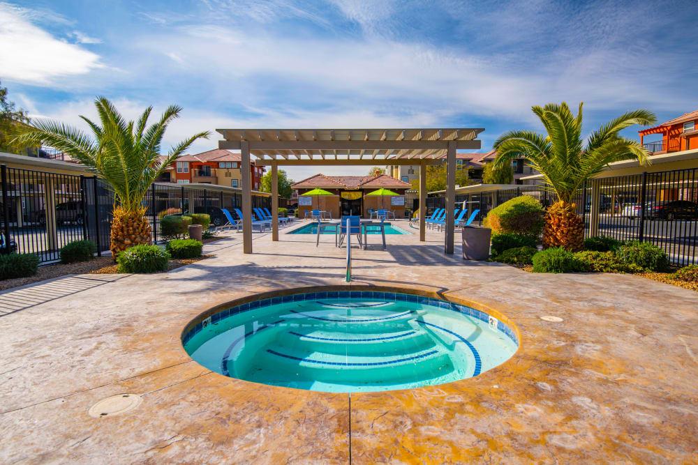 Enjoy Apartments with a Hot Tub at Norterra Canyon Apartments