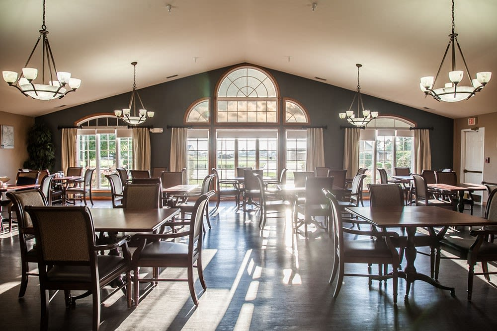 Entry hall and dining at Brookstone Estates of Mattoon South in Mattoon, Illinois