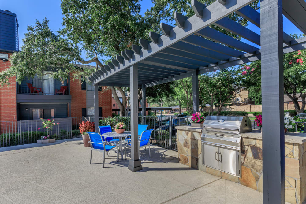 Outdoor patio at Windmill Terrace in Bedford, Texas