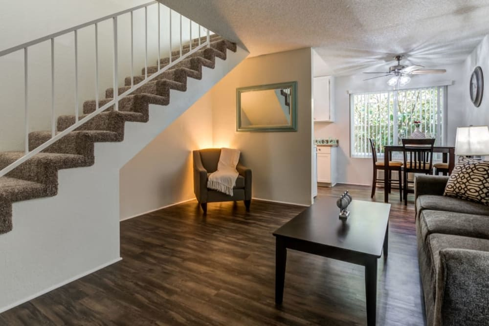 A living room with hardwood flooring and a reading nook at Vista Pointe II in Studio City, California