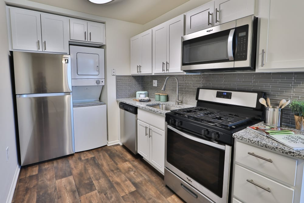 Well equipped kitchen at Eagle's Crest Apartments in Harrisburg, Pennsylvania