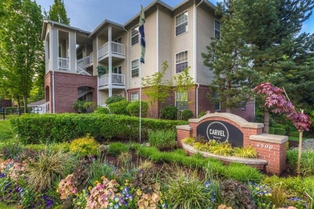 The exterior head on view of Carvel Harbour Pointe in Mukilteo, WA