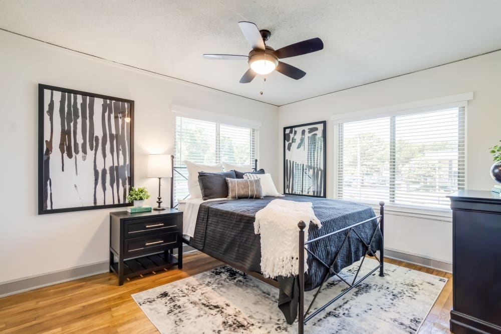 Well decorated bedroom at Kiwi Goji Apartments in Memphis, Tennessee