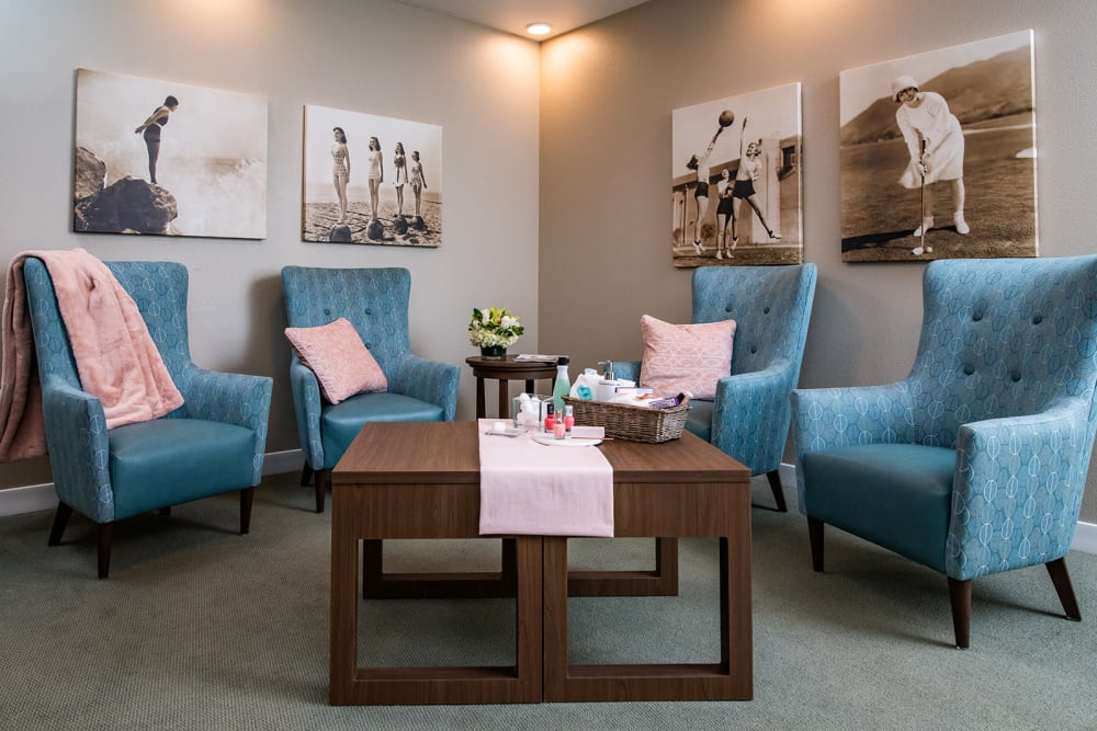 The Lounge at Sisterhood Suites at Seasons Memory Care at Rolling Hills in Torrance, California.