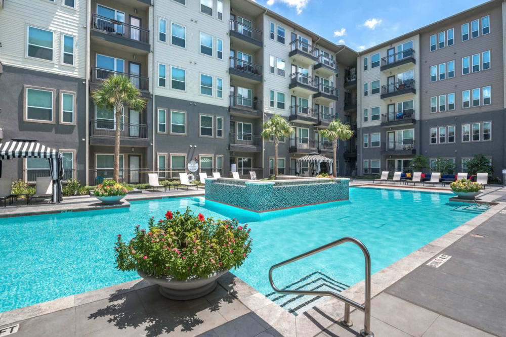 Refreshing swimming pool for residents at Macallan at Ross in Dallas, Texas