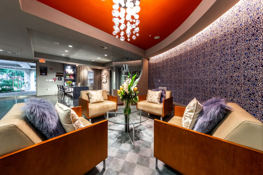 Indoor clubroom lounge at The Marquis of State Thomas in Dallas, Texas