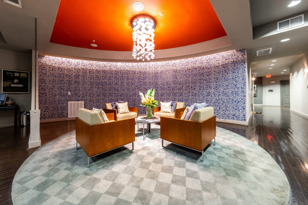 The Marquis of State Thomas's clubhouse lounge in Dallas, Texas