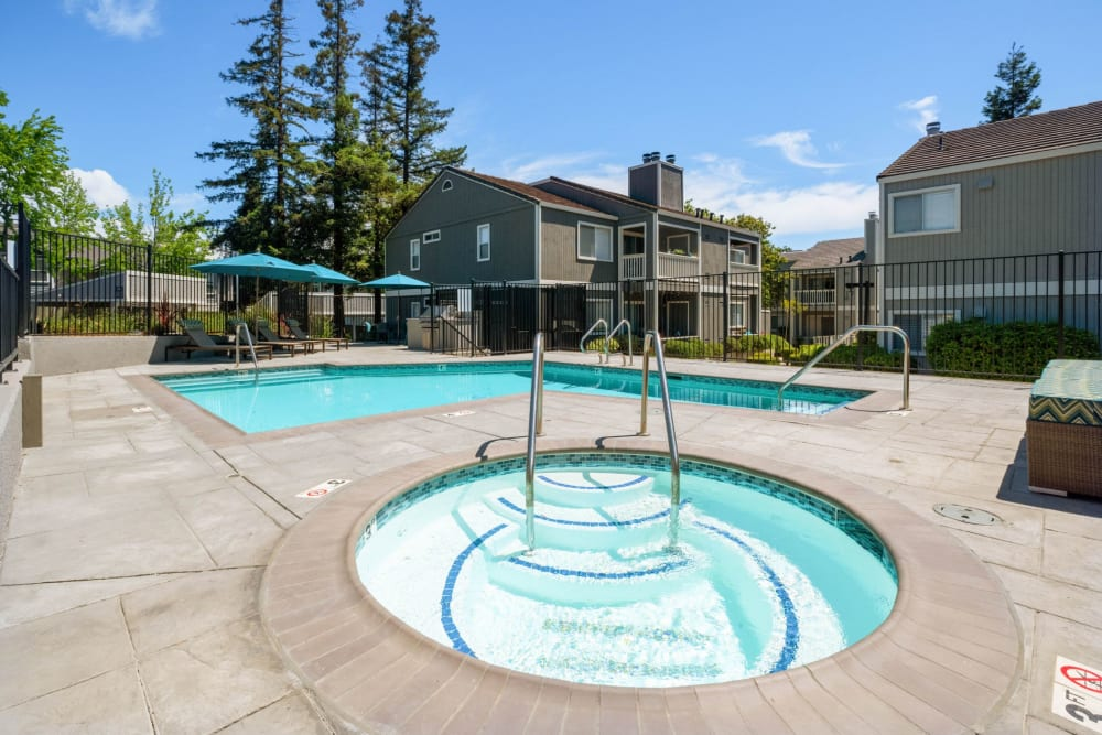 Jacuzzi next to the pool at Haven Martinez in Martinez, California