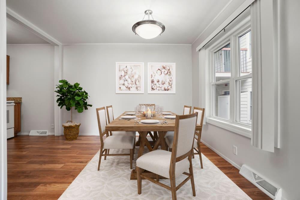 Dining room at Taunton Gardens in Taunton, Massachusetts