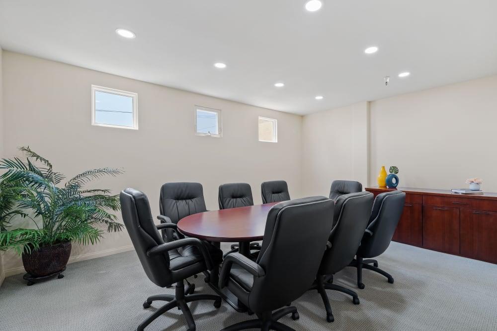 Business center meeting area at The Villagio in Northridge, CA