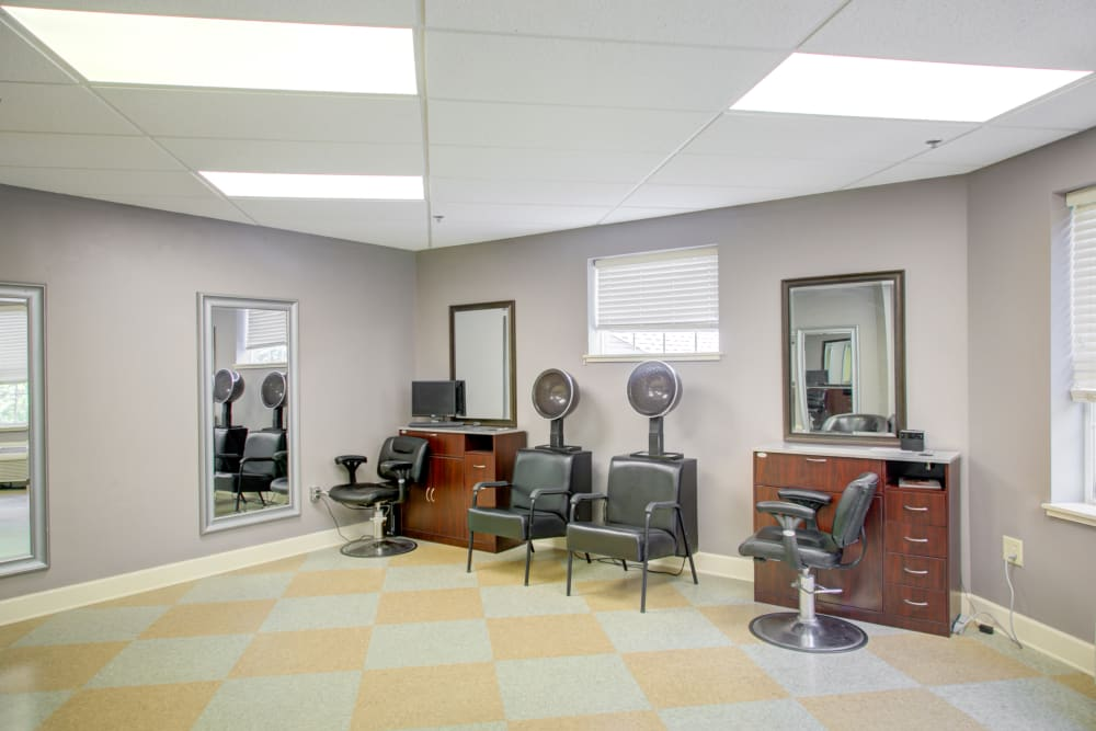 Salon for residents at Truewood by Merrill, Riverchase in Hoover, Alabama.