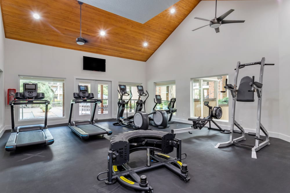 State-of-the-art fitness center at Foundations at River Crest & Lions Head in Sugar Land, Texas