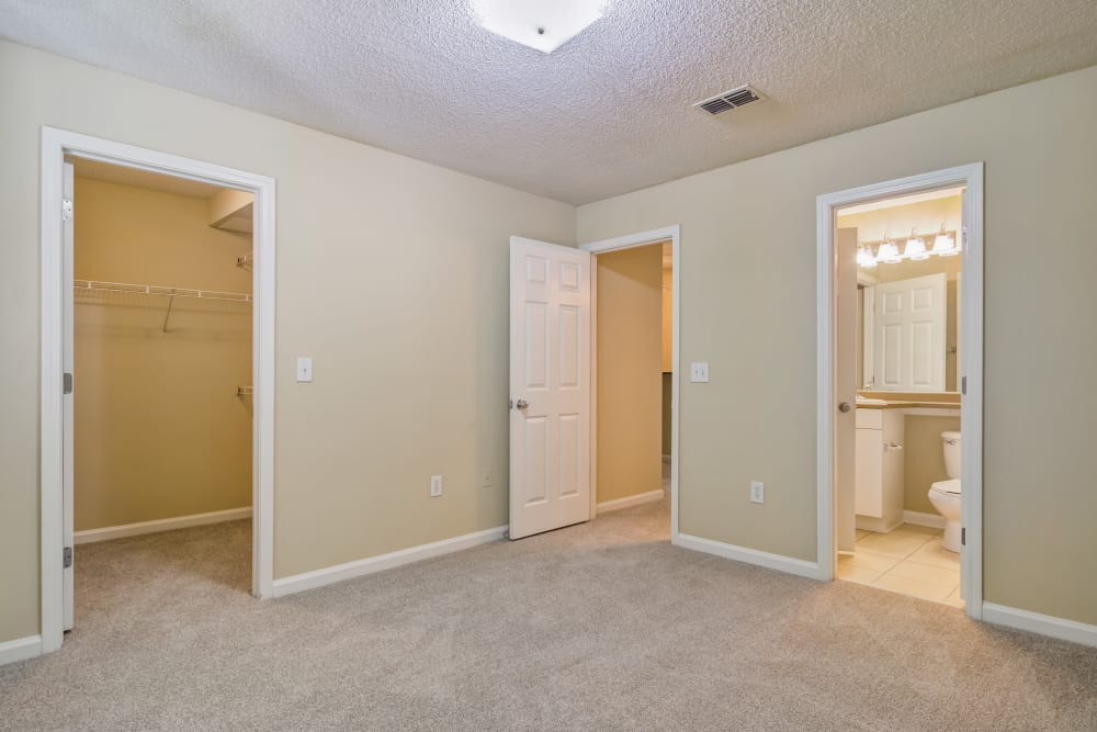 Large bedroom at Beechwood Pines in Athens, GA