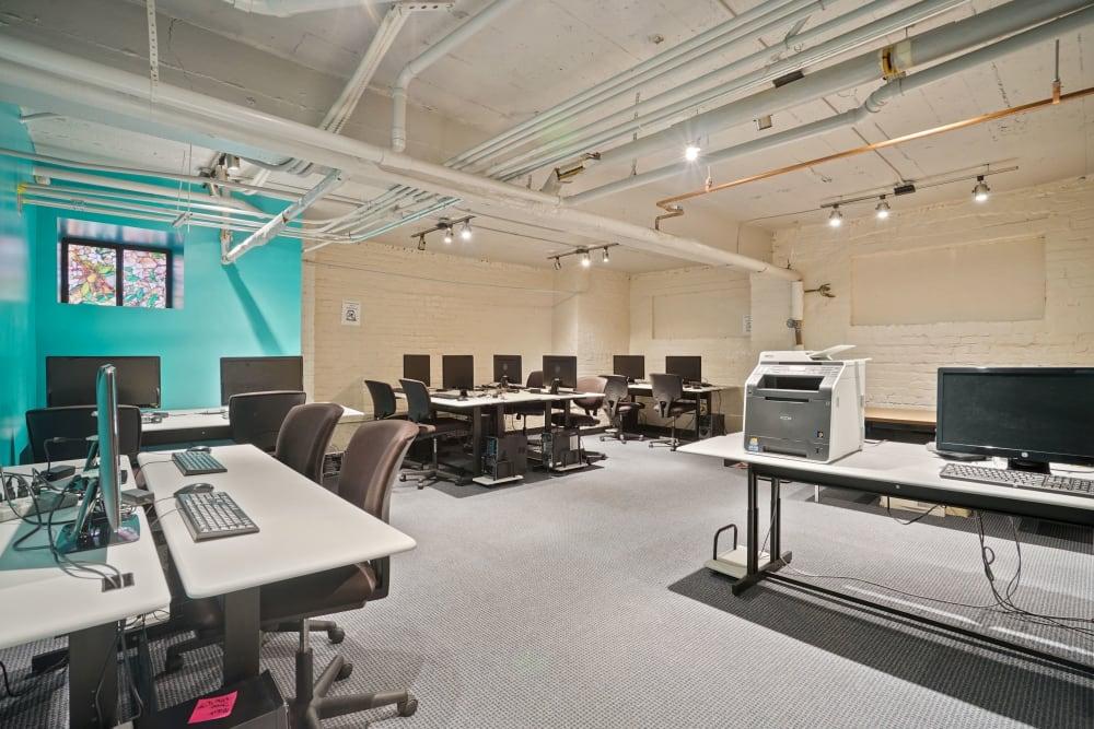 Community computer center at R Street