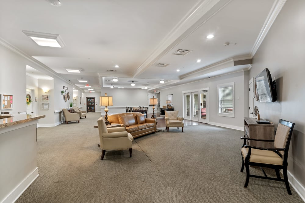 Spacious lounge with a TV at Truewood by Merrill, Powell in Powell, TN