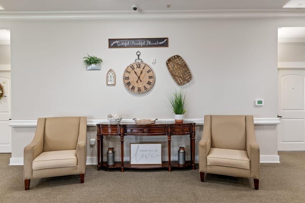 Sitting area at Truewood by Merrill, Powell in Powell, TN