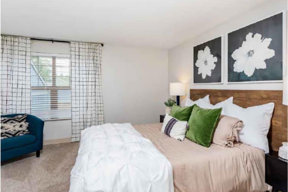 Modern bedroom at The Pines at Pinehurst in Denver, Colorado