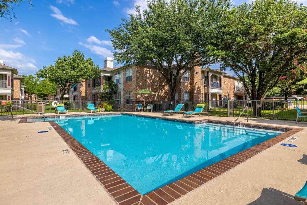 Swimming pool a Brooks on Preston in Plano, Texas