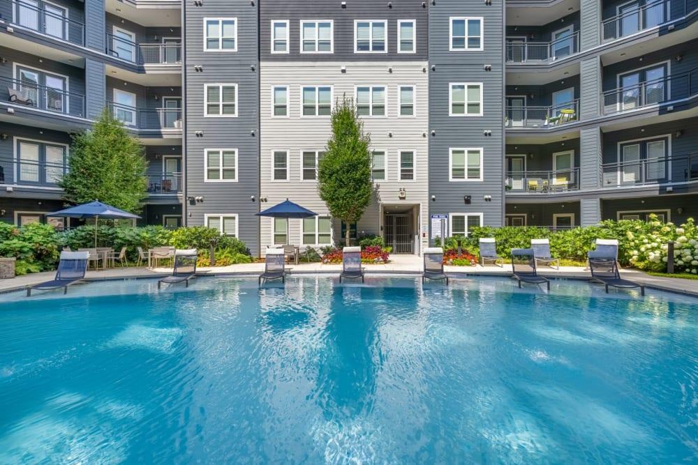 sparkling pool at Skyline West in Atlanta, Georgia