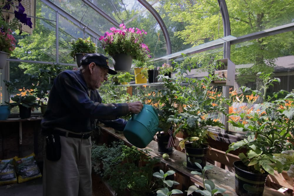 Resident activity at The Country House in Westchester