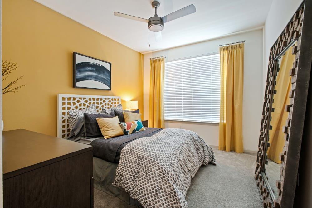 A cozy bedroom at Linden Crossroads in Orlando, Florida